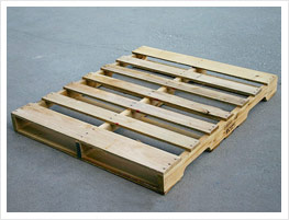 Double-decked pallet with 2 entries