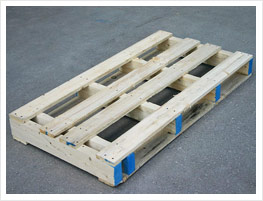 Single-decked pallet with 2 entries